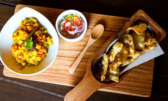 Thai curry puffs