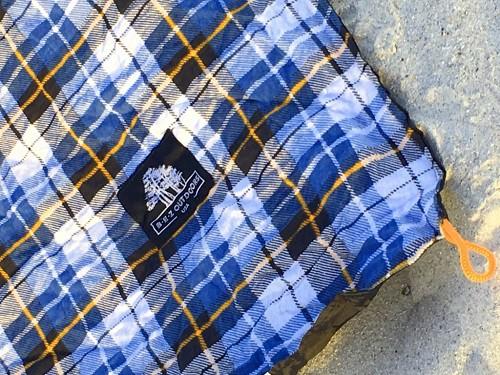 BEZ Outdoors Flannel Picnic Blanket
