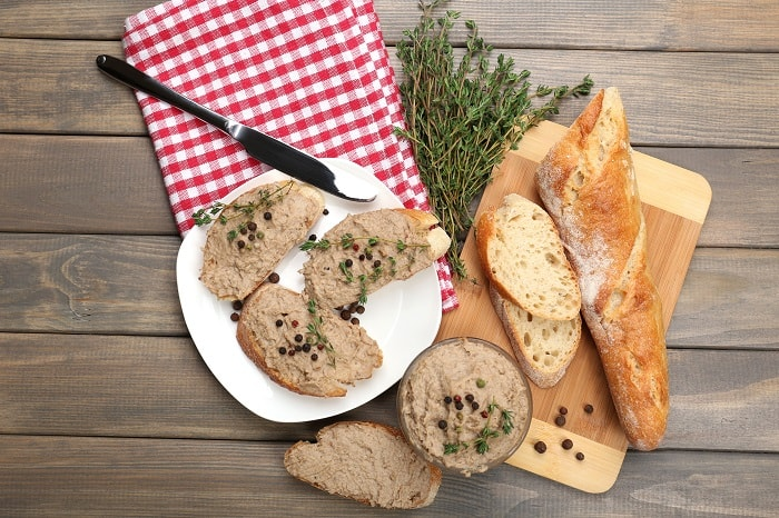 French picnic chicken liver pate