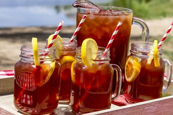 Drinks at a picnic