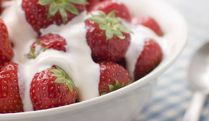 British picnic strawberries and cream