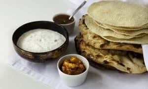 Poppadums and naan bread