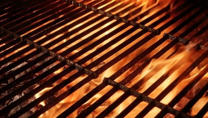 How to Clean a Cast Iron Grill Grate
